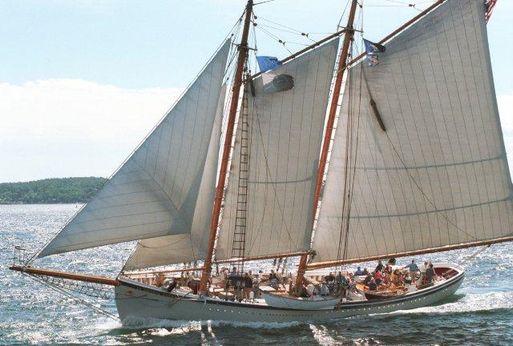 1931 United Sail Loft GLOUCESTER SCHOONER