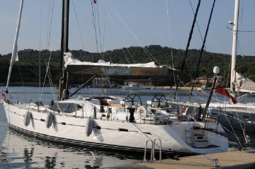 65' Oyster 2008