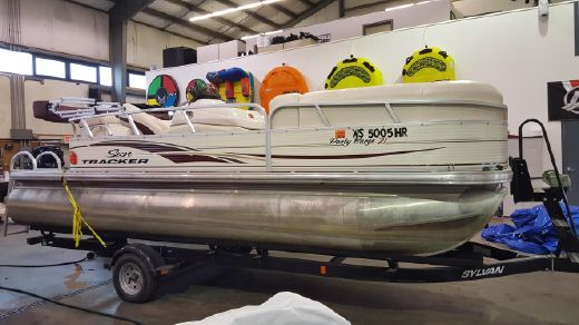 2010 Sun Tracker PARTY BARGE 21 Signature Series
