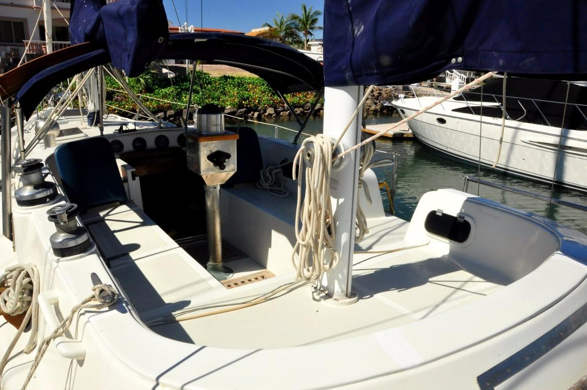 47' Perry Ketch+Photo 40