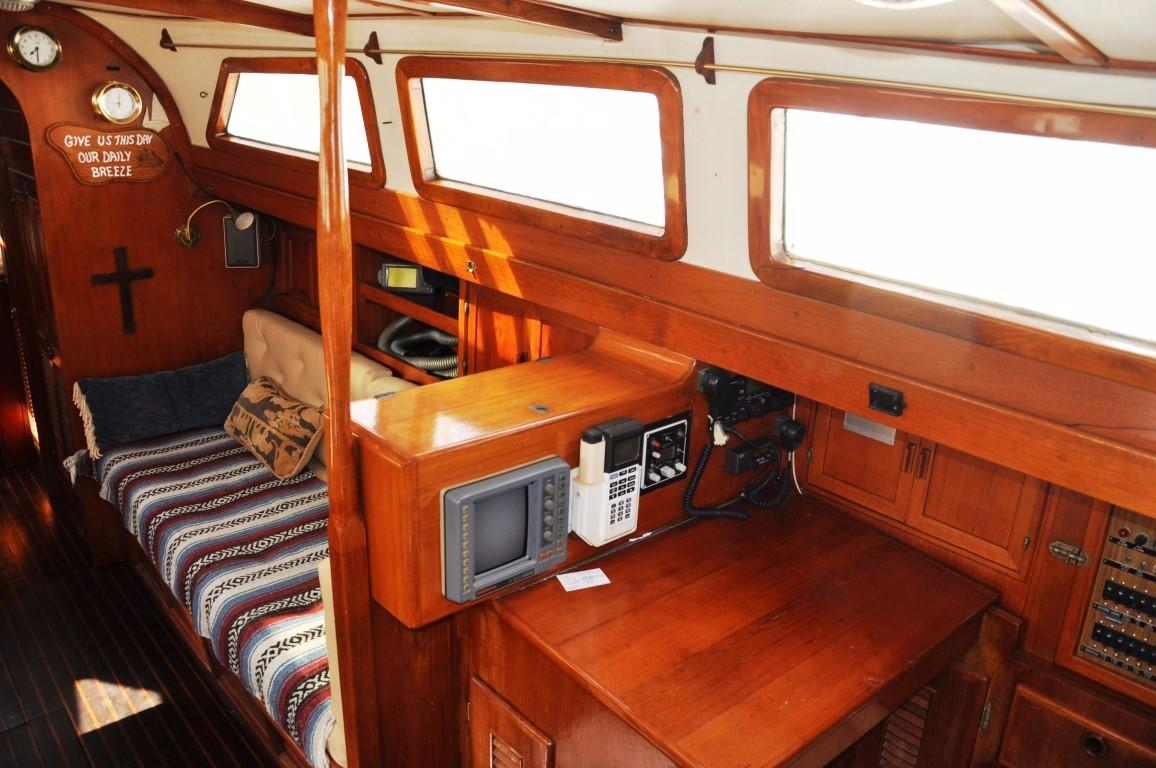 47' Perry Ketch+Photo 6