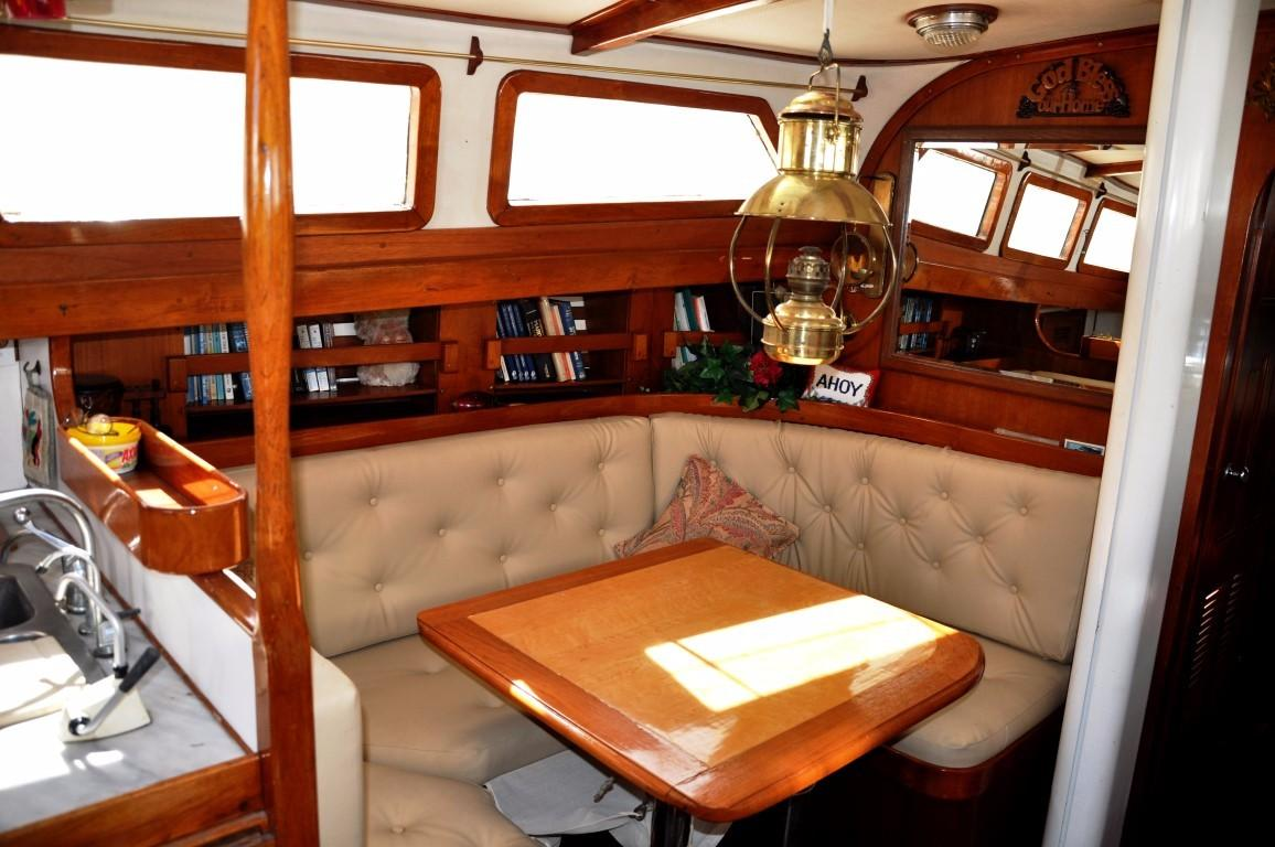 47' Perry Ketch+Photo 8