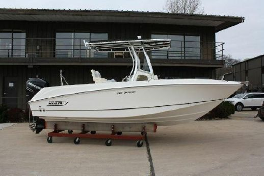 2014 Boston Whaler Outrage 22