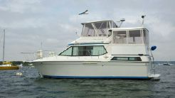 1989 Chris Craft 372 MY