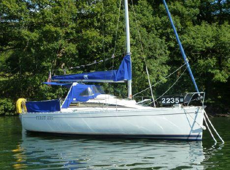 1987 Beneteau First 235