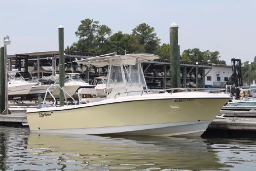 2006 Edgewater 225 Center Console