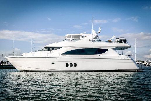 2009 Hatteras 80 Motor Yacht