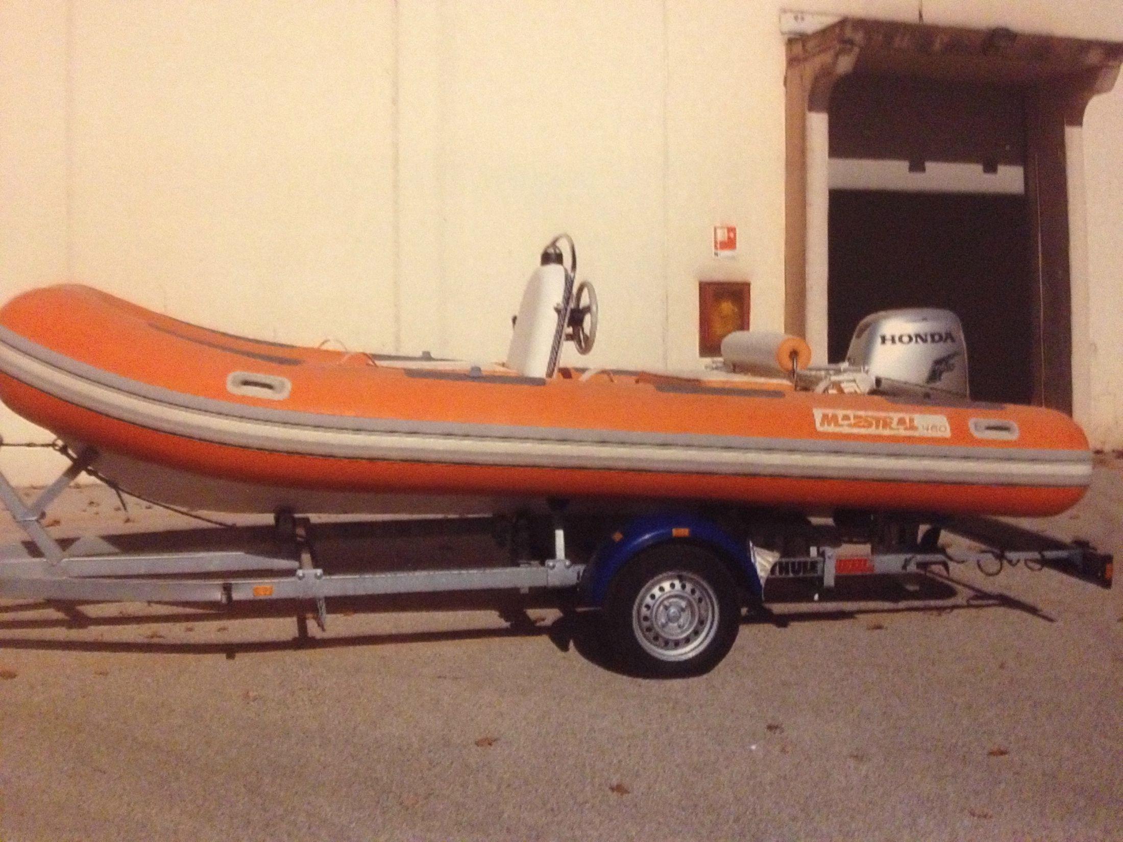 2011 Mistral 460 Power Boat For Sale