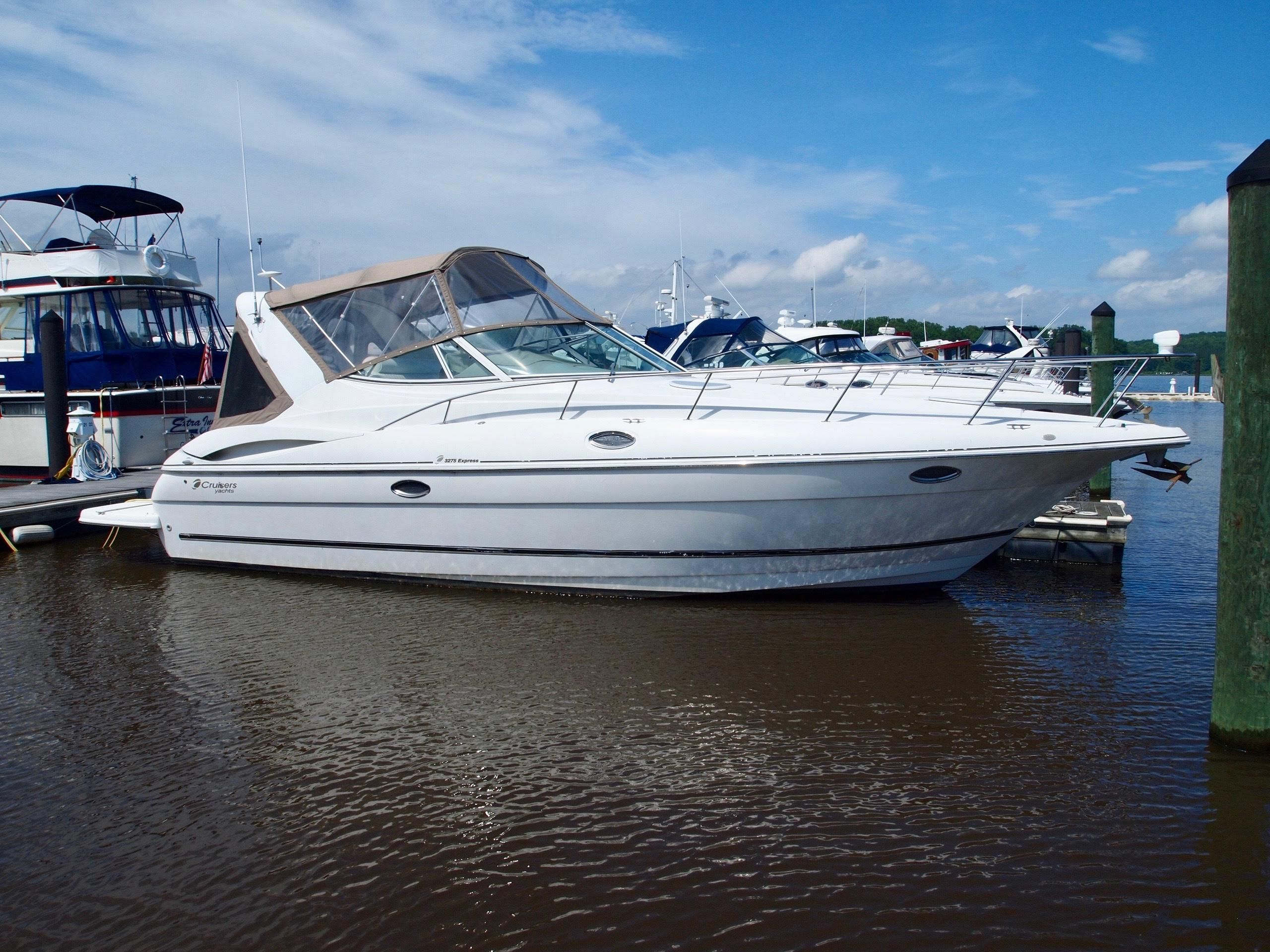 2004 Cruisers Yachts 3275 Express Power Boat For Sale - www ...