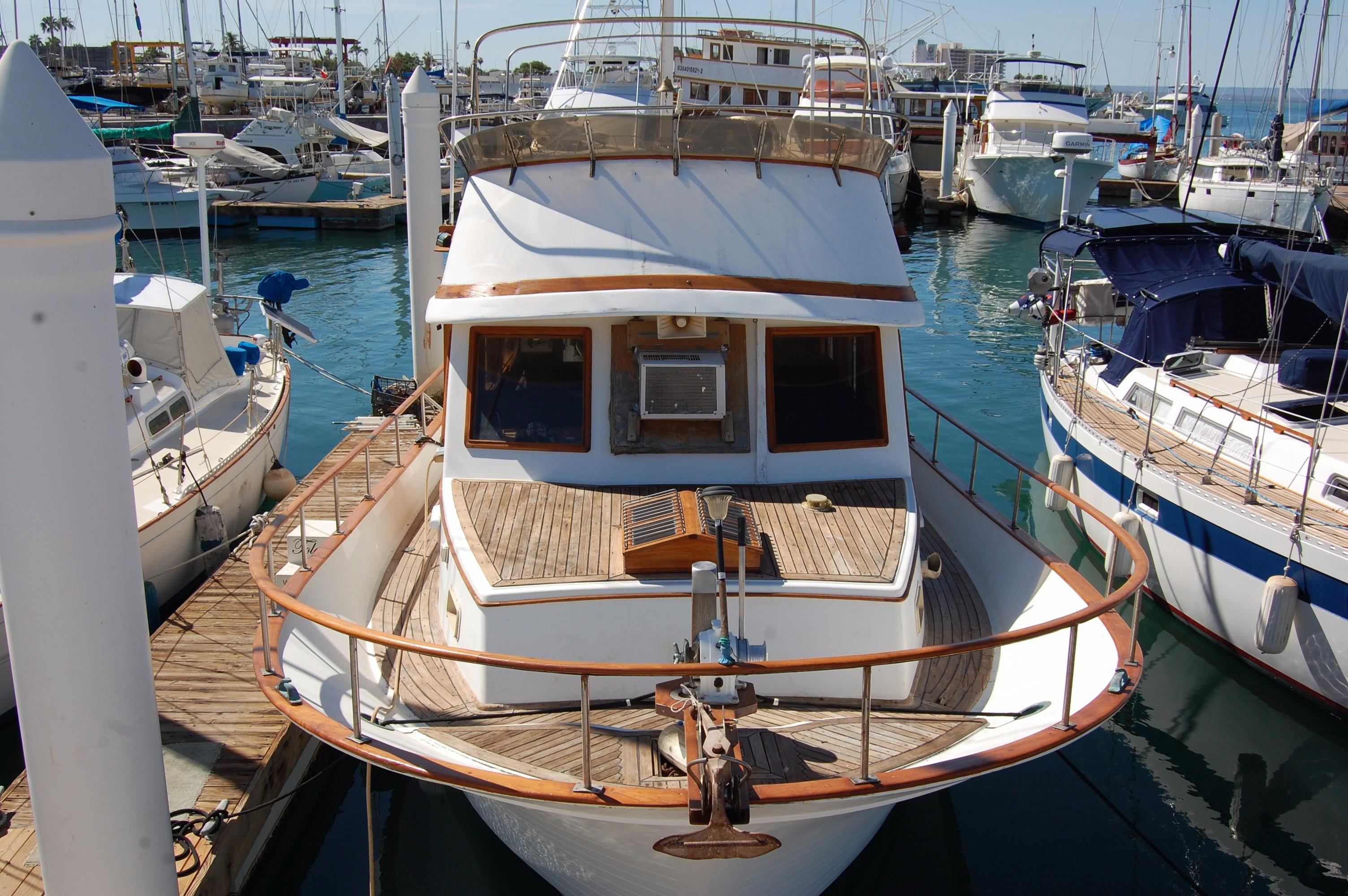 40' Hershine Trawler+Photo 8