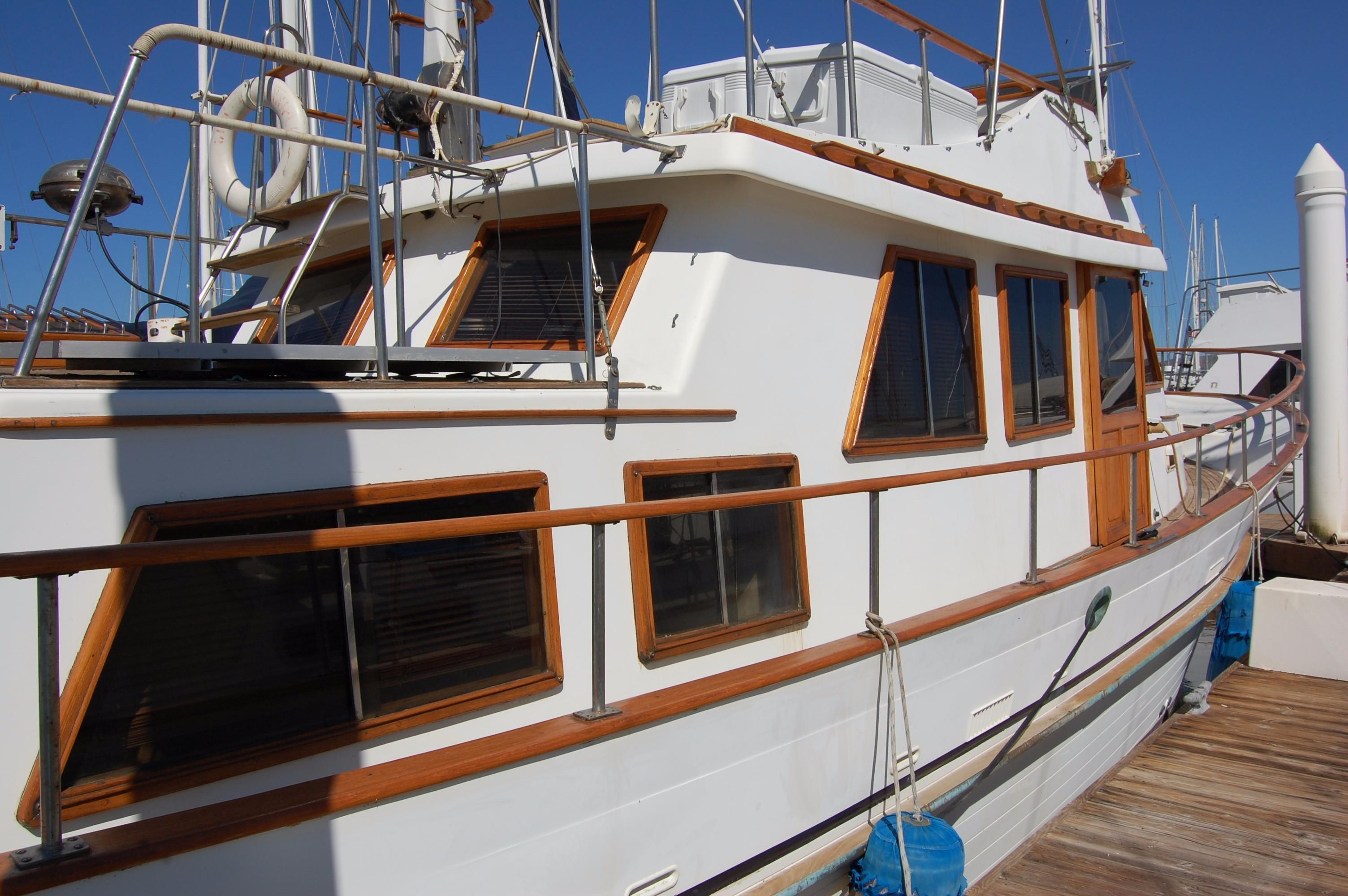 40' Hershine Trawler+Photo 10
