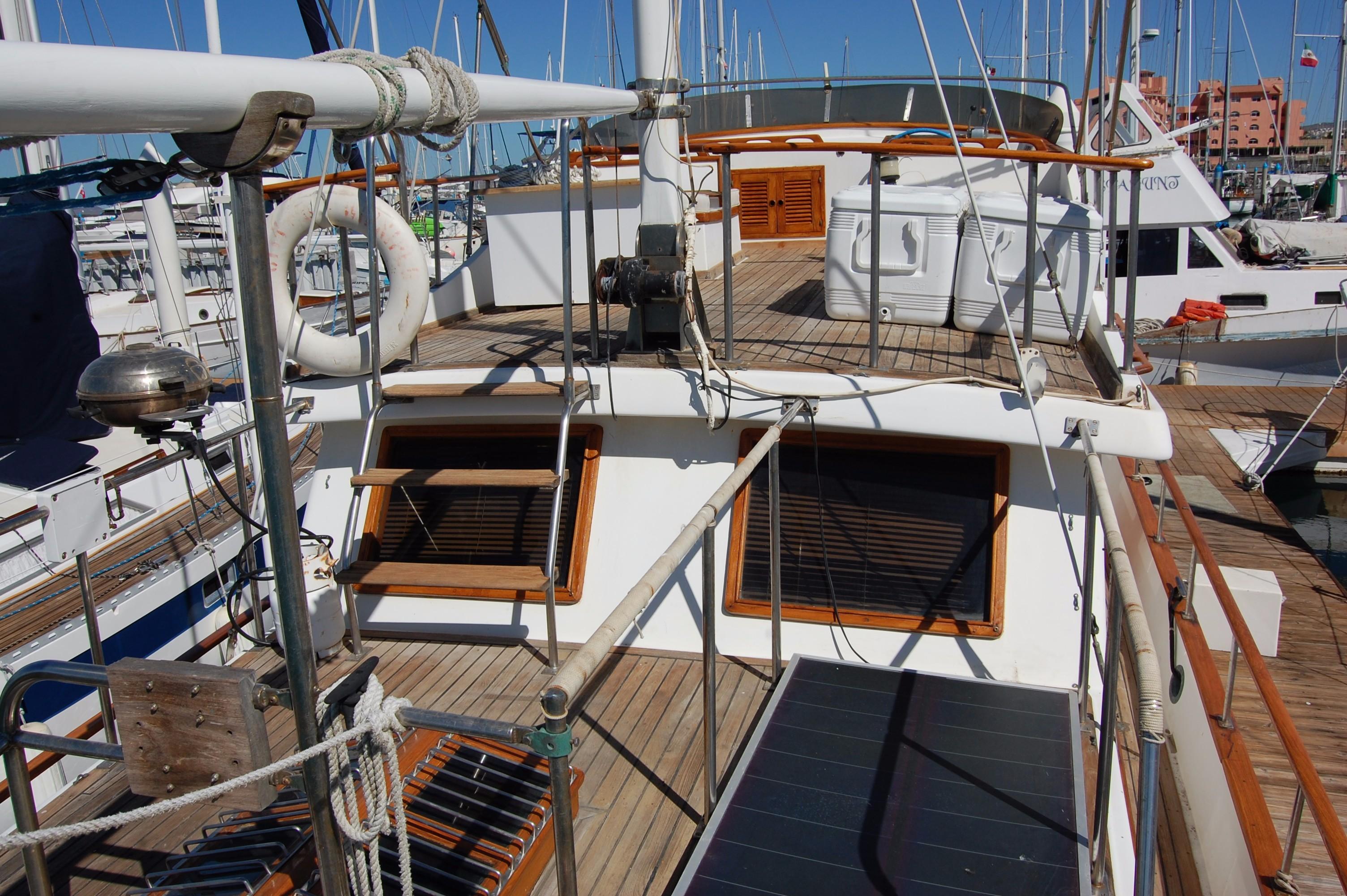 40' Hershine Trawler+Photo 12