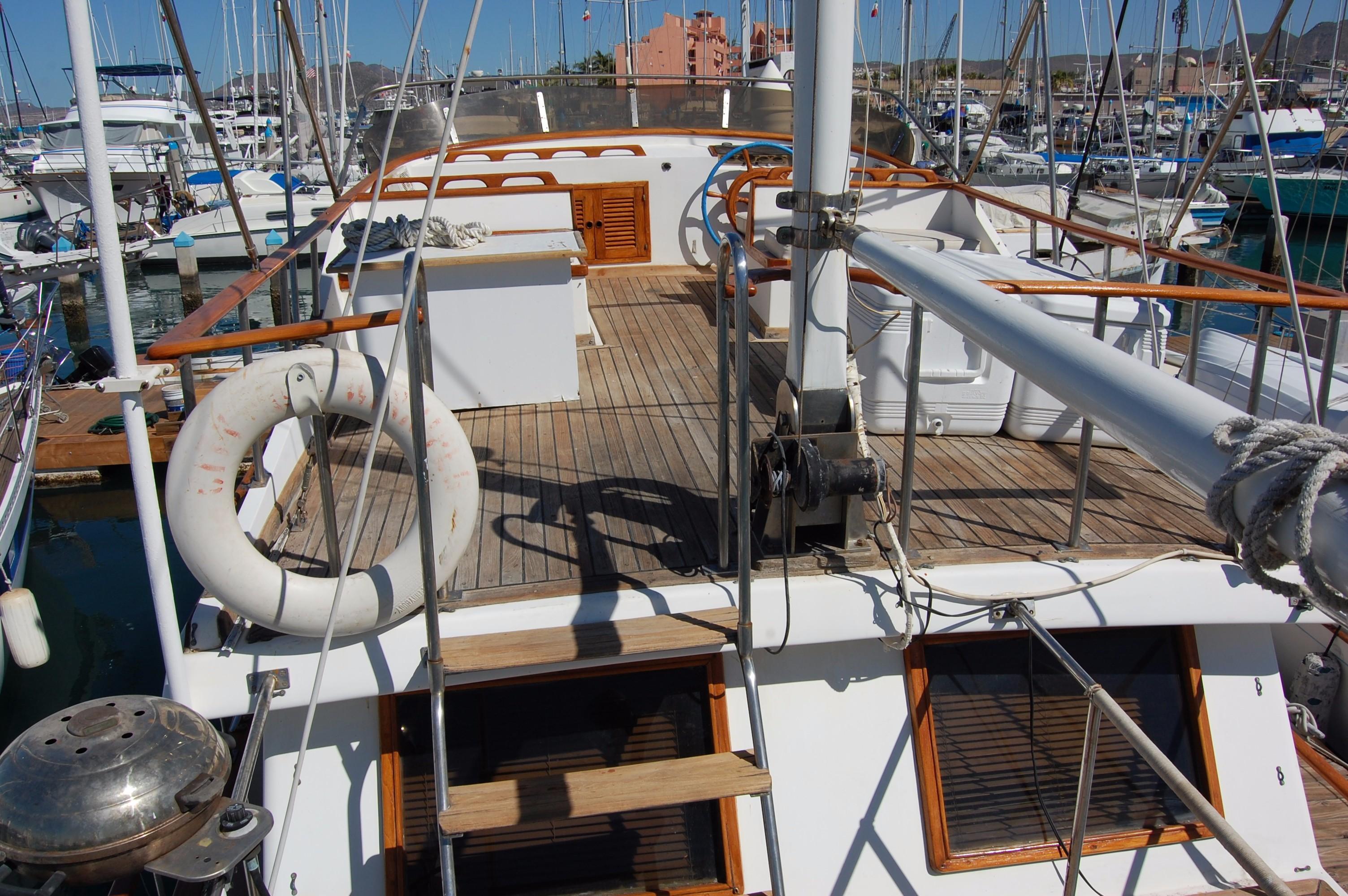 40' Hershine Trawler+Photo 16