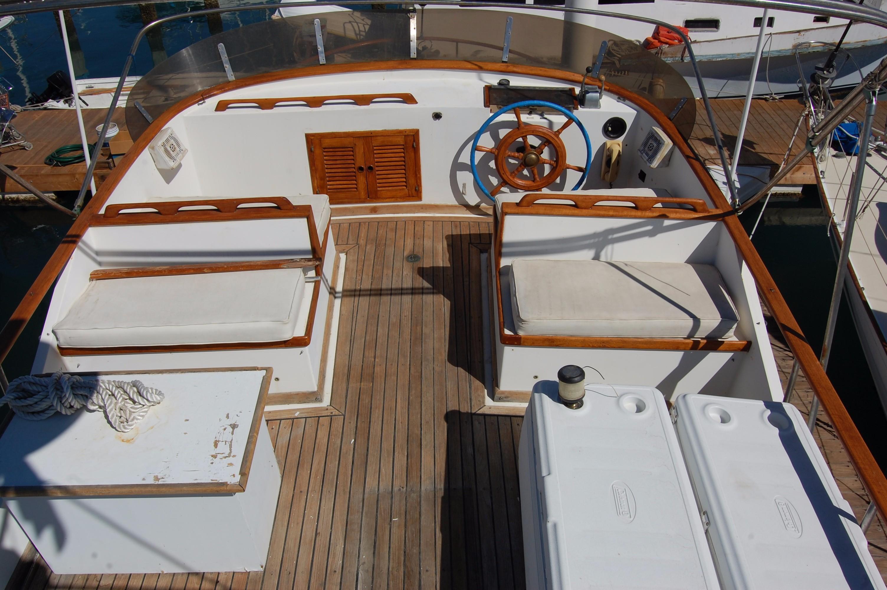 40' Hershine Trawler+Photo 17