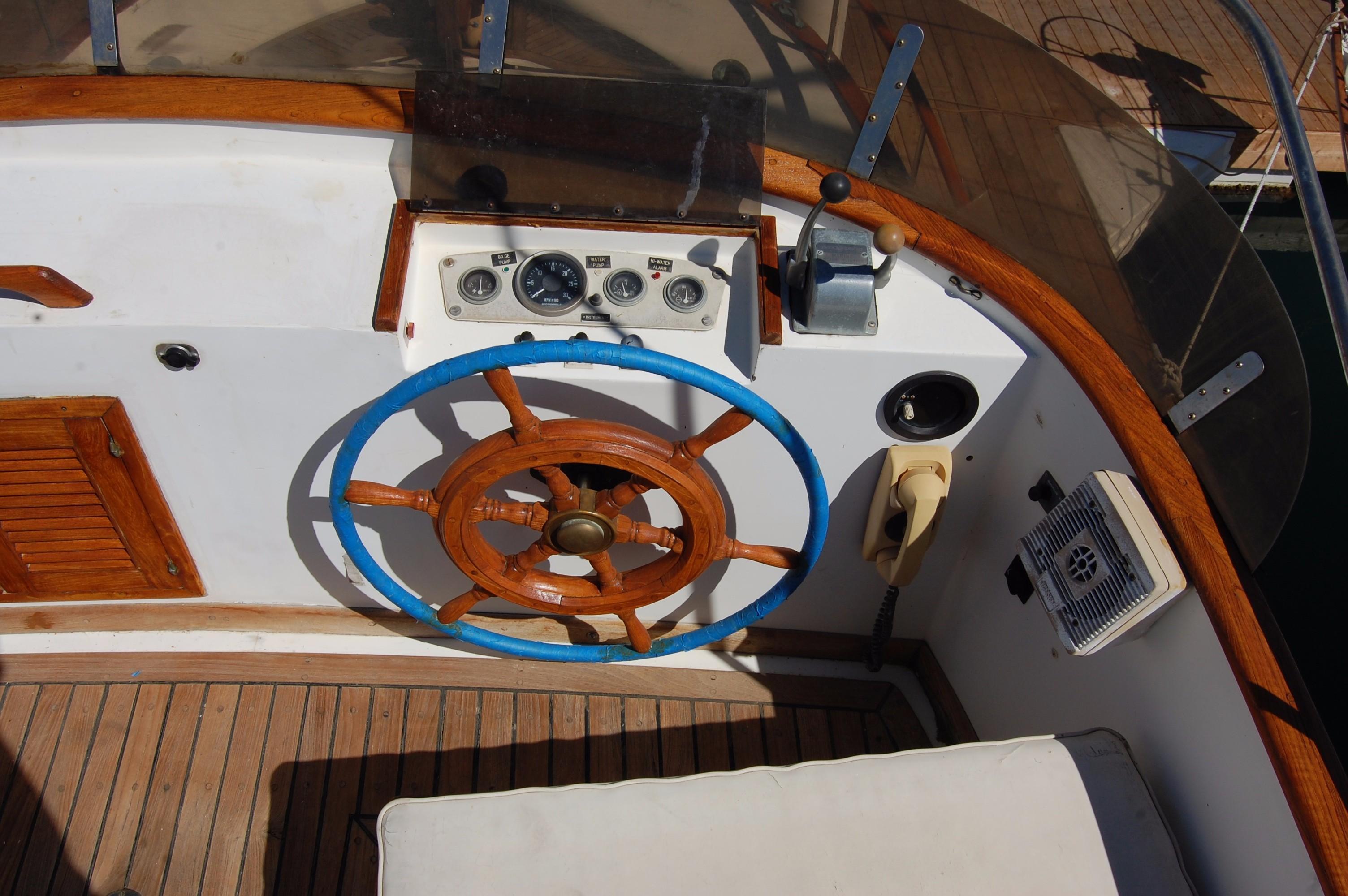 40' Hershine Trawler+Photo 18