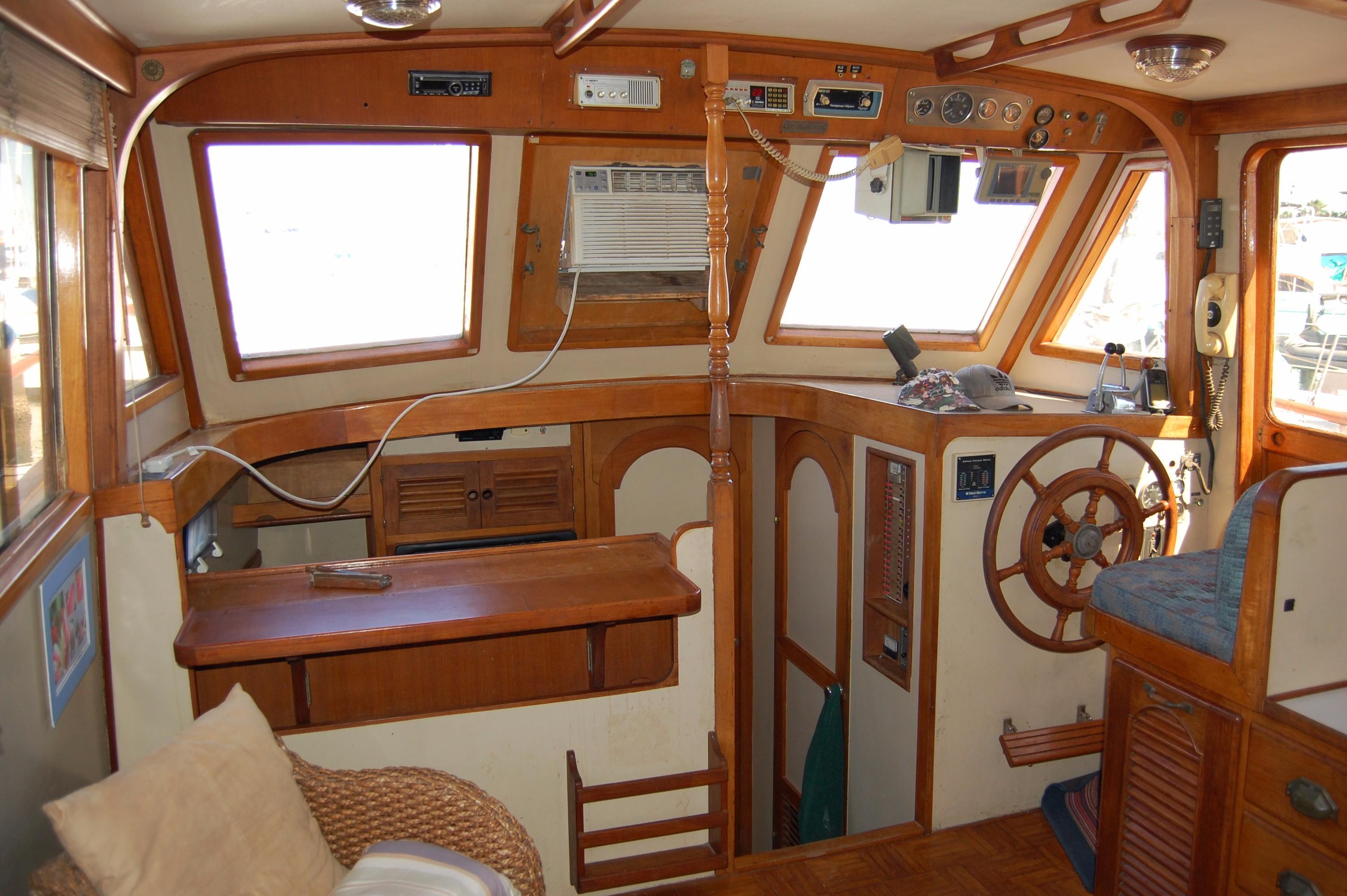 40' Hershine Trawler+Photo 26