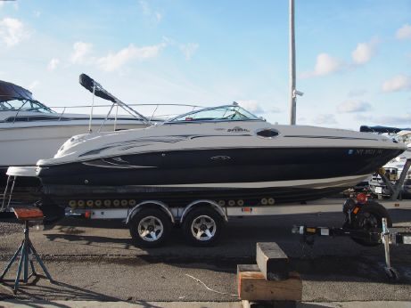 2006 Sea Ray 240 Sundeck