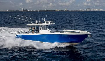 42' Yellowfin 2015