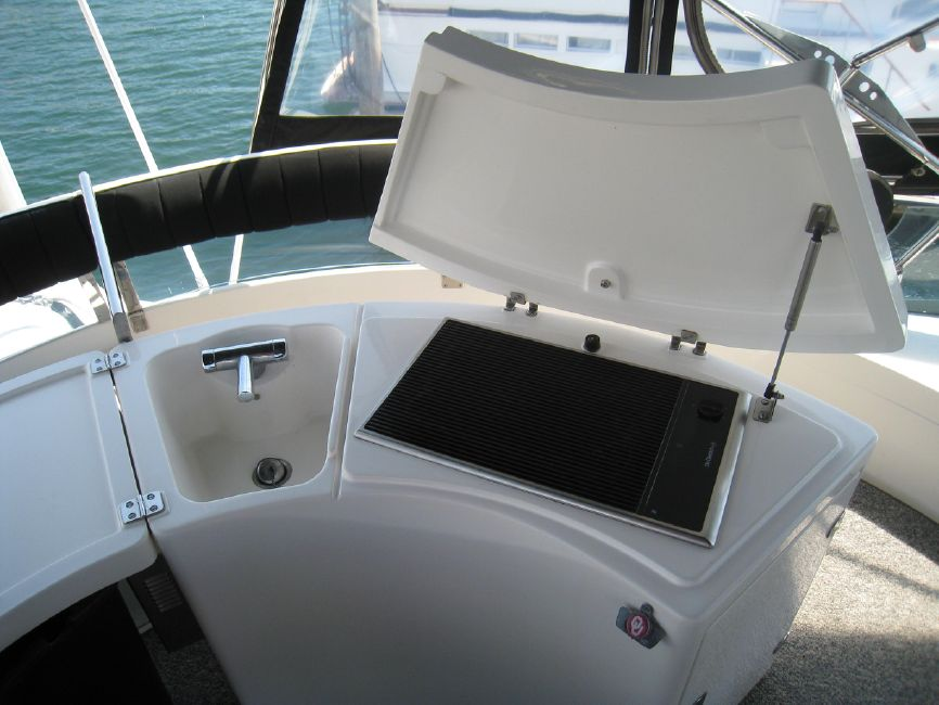 Fairline 62 Squadron Flybridge Grill