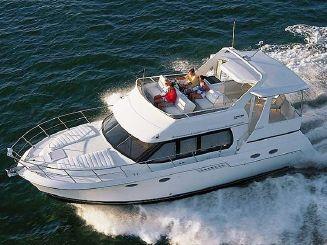 2001 Carver 406 Aft Cabin Motor Yacht