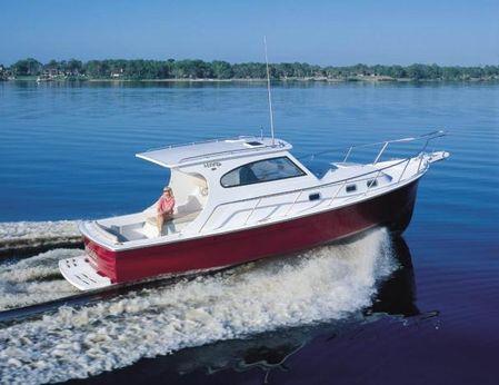 2001 Mainship Pilot 30 Sedan