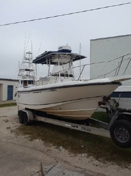 2001 Boston Whaler 23 Outrage