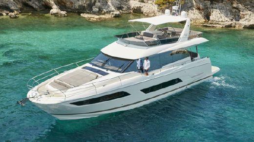 2017 Prestige Yachts 680