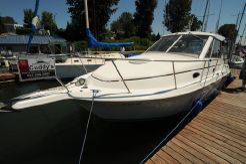 1997 Carver Yachts 280 Express Hardtop