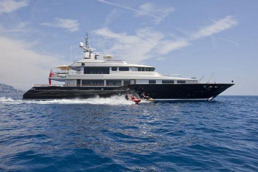 2000 Warren Tri Deck Motor Yacht