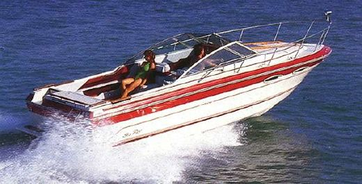 1988 Sea Ray 250 Cuddy