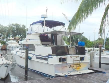 1985 Chris Craft 425 Catalina