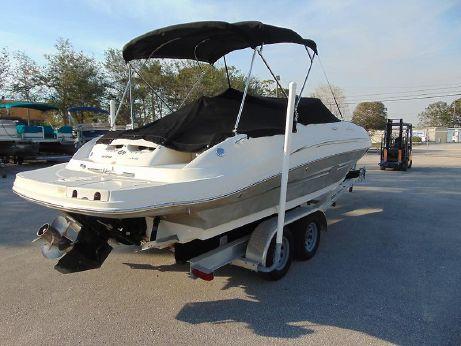 2008 Sea Ray 220 Sundeck