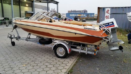 1980 Glastron SSV 163