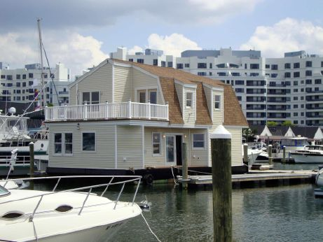 2014 Custom Houseboat