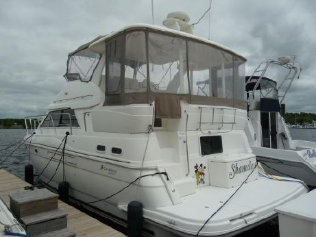 1999 Cruisers Yachts 375 Motoryacht