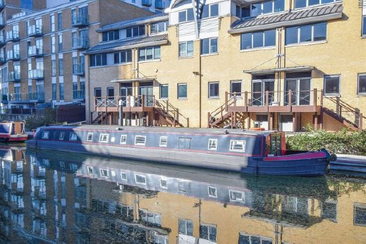 1989 Wide Beam 68ft with London mooring