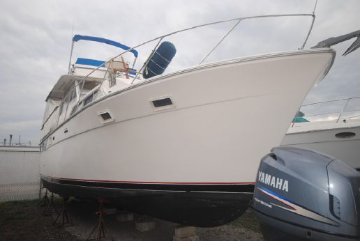 1973 Pacemaker 40 Flybridge MY Cruiser