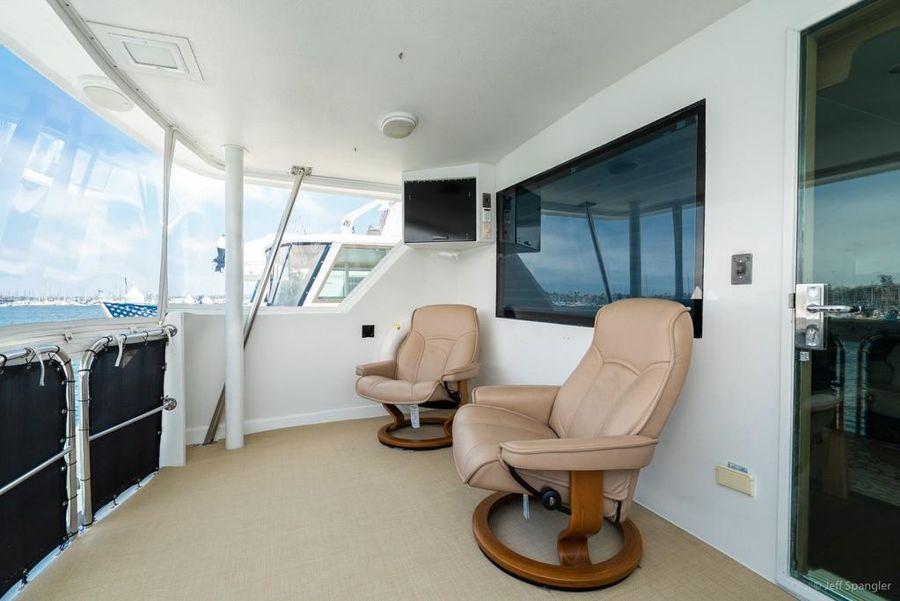 Hatteras 70 Motor Yacht Aft Deck