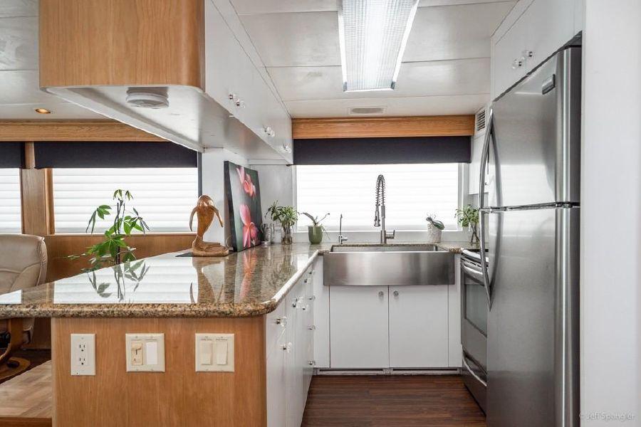 Hatteras 70 Kitchen Galley