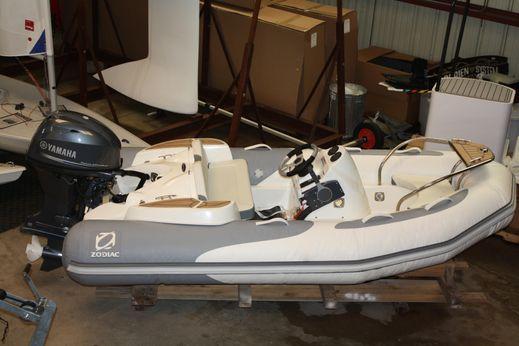 2014 Zodiac Rib Yachtline Deluxe 340