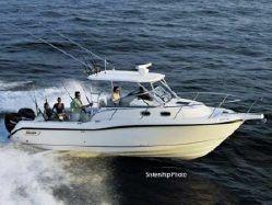 2005 Boston Whaler 30 Conquest