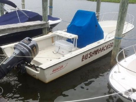1990 Boston Whaler 220 Outrage