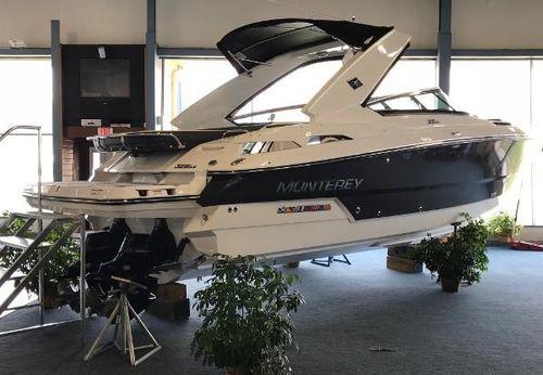2017 Monterey 328 Super Sport