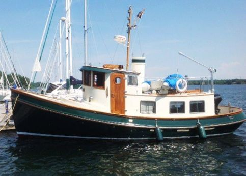 1985 Lord Nelson 37 Victory Tug