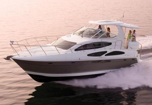 2011 Cruisers Yachts 415 Express Motoryacht