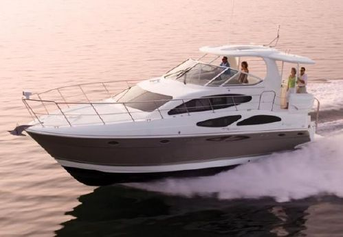 2012 Cruisers Yachts 415 Express Motoryacht