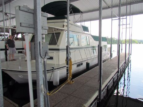 1987 Harbor-Master 47 HOUSEBOAT