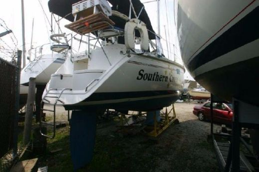 1993 Hunter Marine 33.5