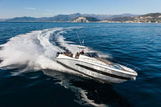 2013 Azimut/atlantis Verve Outboard