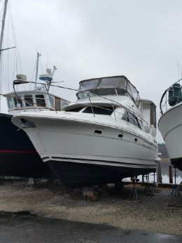 2001 Cruisers 375 Motoryacht